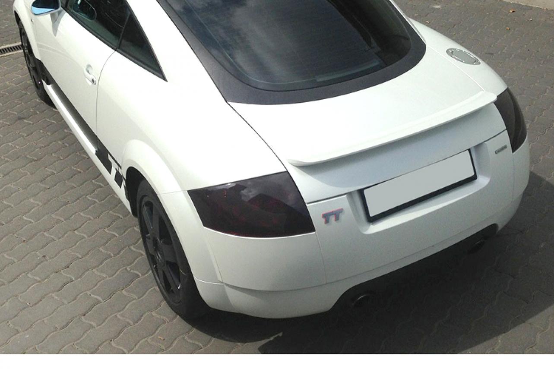 Gyöngyházfehér coupe